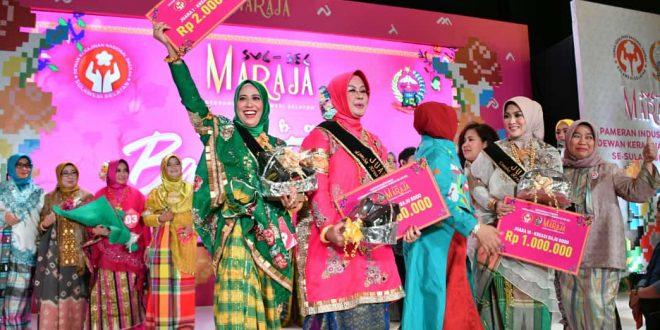 Ketua Dekranasda Sinjai Juara I Lomba Fashion Show